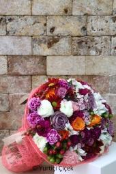 Renkli güller, papatyalar ve mevsimin en taze çiçekleri ile sevdiklerinizi çok ama çok mutlu etme fırsatı sizlerle.