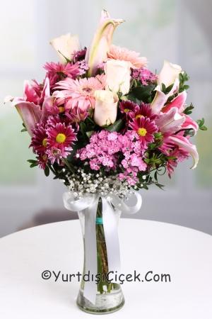 Vazoda Pembe Kır Çiçekleri
